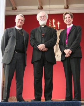 Former Episcopal Presiding Bishop Frank Griswold, left, meets with Archbishop of  Canterbury Rowan Williams and Presiding Bishop-elect Katharine Jefferts Schori at Lambeth  Palace in London in 2006.  RNS file photo courtesy of Jim Rosenthal/Episcopal News Service.