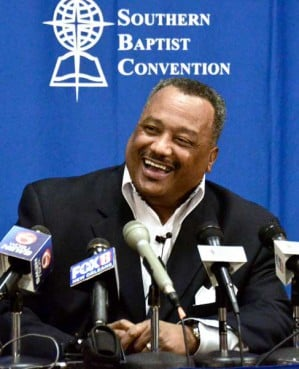 In a close vote, members of the Southern Baptist Convention have voted to accept the alternate unofficial name of ``Great Commission Baptists.'' The debate on Tuesday immediately followed the election of the Rev. Fred Luter as the denomination's first African-American president. RNS photo courtesy Baptist Press