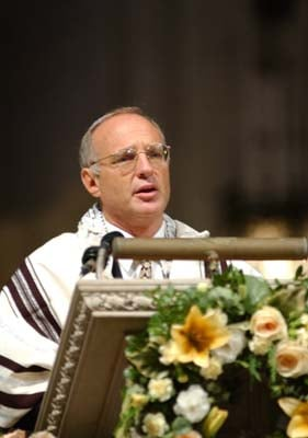 Rabbi David Saperstein, director of the Religious Action Center of Reform Judaism, preaches at a Washington, D.C., service in 2002.