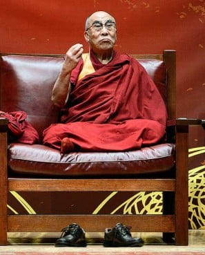 Syracuse University requested the special seating for the Dalai Lamas, spiritual leader of Tibet, who spoke on campus Monday (Oct. 8), and it?s obvious he enjoyed the spacious accommodations.  As he should. The red leather and wood Stickley chair was made especially for him ? three times.