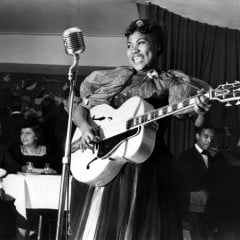 Sister Rosetta Tharpe performs in Cafe Society in 1940.  RNS photo by Charles Peterson/courtesy PBS American  Masters.