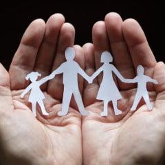 Family photo courtesy Shutterstock (http://shutr.bz/YGKQM2)
