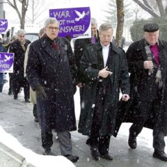 The Rev. Bob Edgar (center), a Democratic congressman and United Methodist minister who went on to lead the National Council of Churches through a painful series of restructuring, died suddenly Tuesday at age 69. Edgar is pictured here while participating in an anti-war rally with Rev. Jean Arnold de Clermont (left), head of the French Protestant churches, and Bishop Manfred Kock (right) of the German Protestant Church in Feb. 2003. RNS file photo by Mark Abraham
