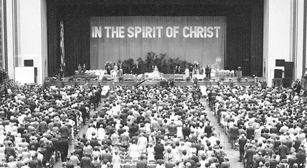 In 1971, 15,000 messengers gather for the 114th annual meeting of the Southern Baptist Convention in St. Louis, MO.