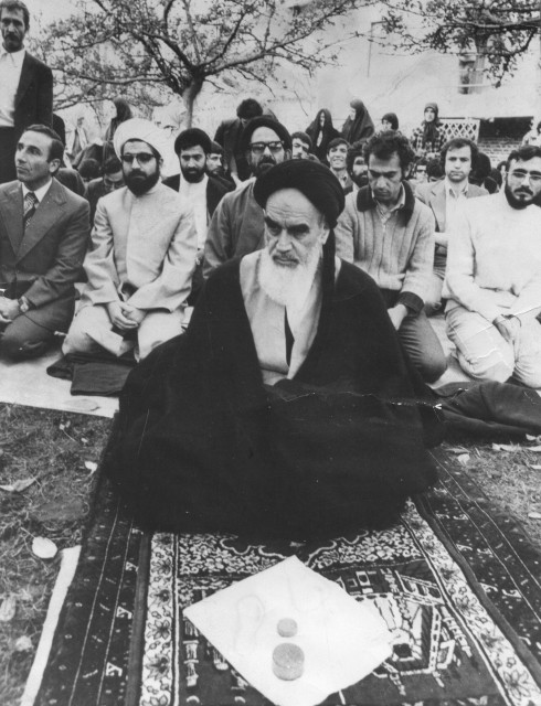 Rouhani with Khomeini (from Wikipedia, common licensing agreement)