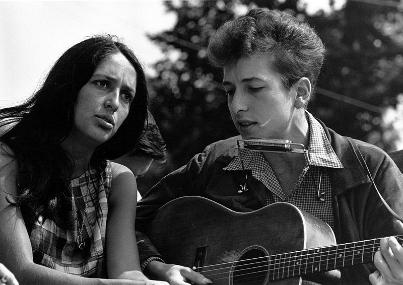 Joan Baez and Bob Dylan 1963 (wikipedia)