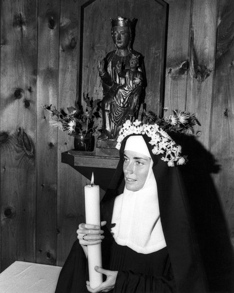 Dolores Hart at her 1970 consecration. Photo courtesy Ignatius Press