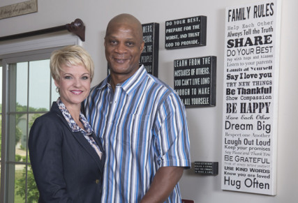 Former MLB player Darryl Strawberry, right, and his wife Tracy pose for a portrait at their home in St. Peters, Mo. Photo by USA TODAY Sports Images