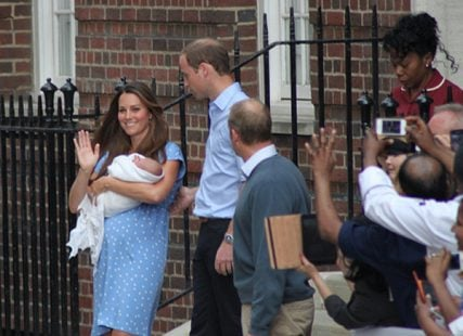 Kate Middleton and Prince William leave the hospital with baby George