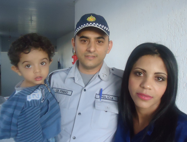 Police officer Paulo Henrique Silva de Pinho with his wife, Ruth Silva, and son Heitor Luz, 2. Photo courtesy Paulo Henrique Silva de Pinho
