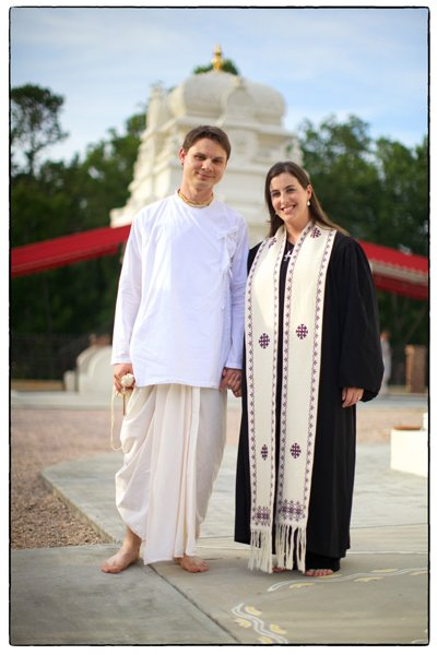 Baptist, J. Dana Trent and her husband, Fred Eakerwho, a former Hindu monk, met five years ago with the help of eHarmony.  Photo courtesy McClure Muntsinger Public Relations