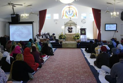 A service at the Sikh gurdwara, Guru Nanak Foundation of America in Silver Spring, Md. RNS photo by Adelle M. Banks