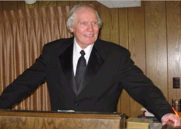 Fred Phelps at his pulpit on August 4, 2002.