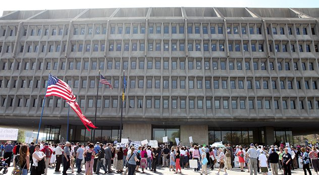 "Protestors gather in front of the HHS headquarters for the ""Stand Up for Religious Freedom Rally"" - Image courtesy of American Life League (http://bit.ly/1oPPvhz)"