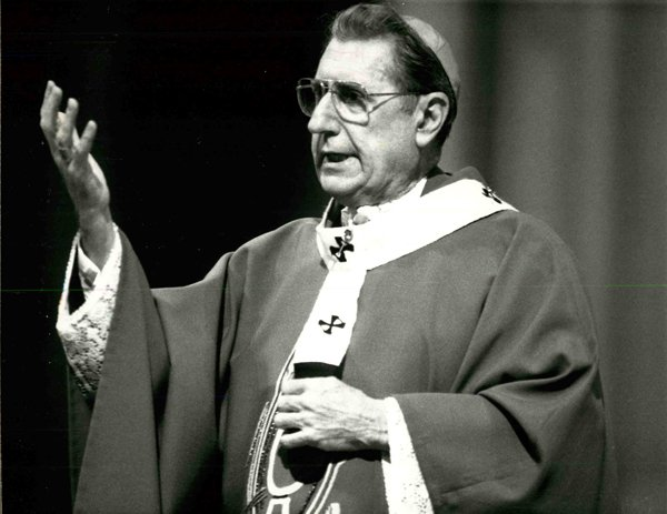 Cardinal John O'Connor speaks at St. Patrick's Cathedral in New York on Nov. 11, 1986. Religion News Service file photo