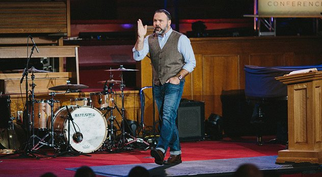 Pastor Mark Driscoll says he's sorry for inappropriate comments made under a pseudonym in 2000. Here's why Christians should accept his apology.