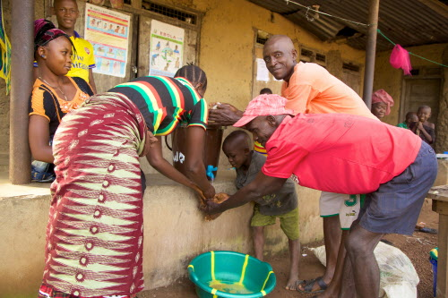Day-to-day life in the Ebola affected community of Moyamba, in the Southern Province. Photo courtesy of World Vision