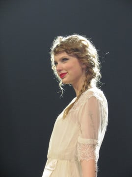Taylor Swift, looking just like an old-timey poet. Photo by Larry Darling via Flickr (http://bit.ly/1viOO49)