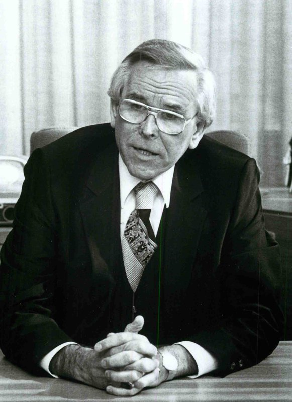 """The Rev. Robert Schuller, on the road promoting his book, """"The Be (Happy) Attitudes,"""" an examination of positive thinking drawn from Christ's Beatitudes in 1986. In a 1986 interview with RNS, Dr. Schuller said, """"I don't want to produce Christians who get hung up on what's a sin and what is not a sin. But I want to deal with the essential subject of the deepest problem that plagues the human person, and that's sin. Sin in a lack of faith."""" Religion News Service file photo"""