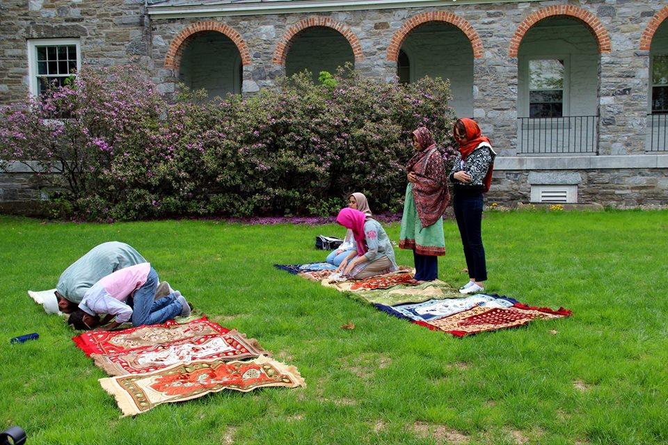 Muslim Chaplains Beau Scurich and Naila Baloch pray with students at Middlebury College. Photo by Mariam Khan, incoming Senior, President of the Middlebury MSA