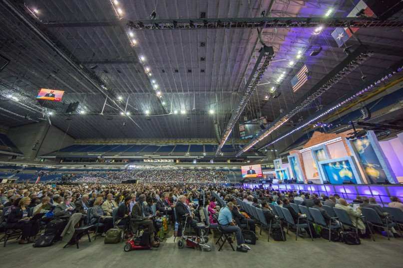 Delegates, their families, special guests and visitors to the 60th General Conference Session begin filling the seats for the much-anticipated discussion on women's ordination taking place during the morning business session on July 8, 2015. Photo courtesy of James Bokovoy/NAD