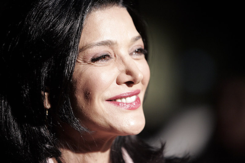 """Actress Shohreh Aghdashloo arrives for the premiere of the movie """"The Nativity Story"""" in Los Angeles November 28, 2006. Photo courtesy of REUTERS/Danny Moloshok"""