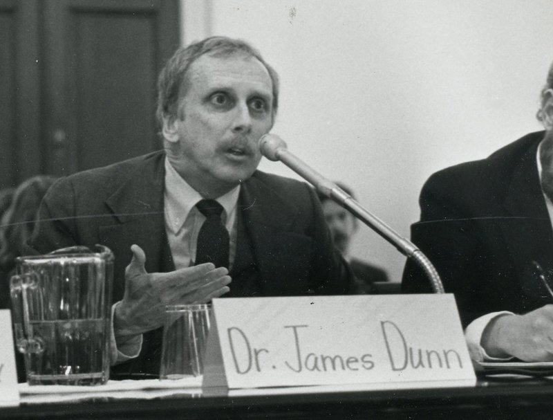 James Dunn testifies against a tuition tax credit for private colleges before the House Budget Committee task force in 1983. Photo courtesy of Baptist Joint Committee