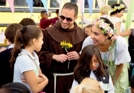 """International recording artist Alessandro Brustenghi, the famous """"Singing Friar from Assisi"""", has twice traveled to the U.S. to perform at Francis in the Schools events, in Washington, DC, and Baltimore in 2014 and in Oakland, California, in 2013."""