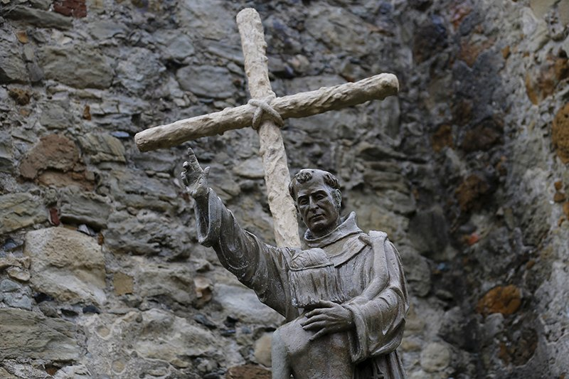 A statue of Father Junipero Serra is seen at Mission San Juan Capistrano, in San Juan Capistrano, California on September 15, 2015. Photo courtesy of REUTERS/Mike Blake *Editors: This photo may only be republished with RNS-POPE-SAINT, originally transmitted on Sept. 23, 2015.
