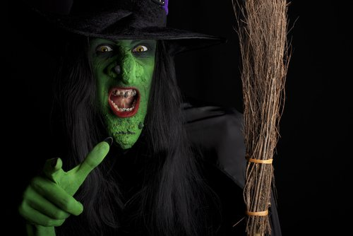 The Splainer Why is the Halloween witch mean and green