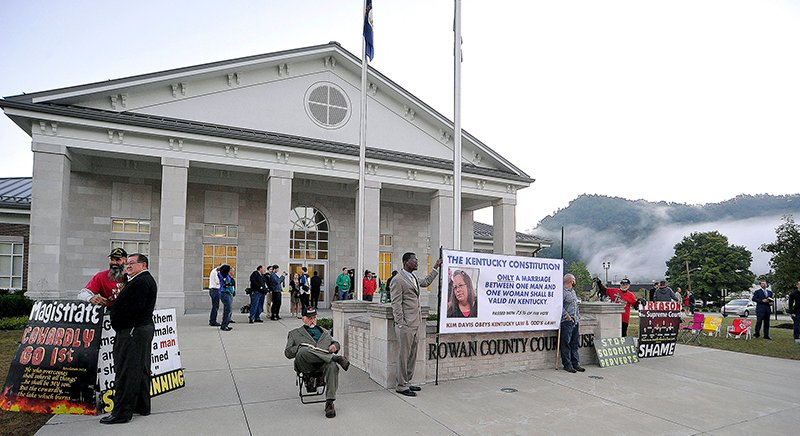 Demonstrators show their support for Kim Davis outside the Rowan County Clerk's Office in Morehead, Kentucky, on September 14, 2015. Photo courtesy of REUTERS/Chris Tilley *Editors: This photo may only be republished with RNS-PASTORS-CLERK, originally transmitted on Oct. 14, 2015.