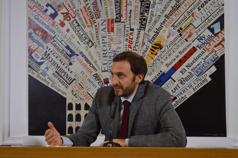 "Italian journalist Emiliano Fittipaldi discusses the Vatican investigation into leaked information published in his book, ""Avarice"", at Rome's Foreign Press Association on Tuesday (Nov. 17). Photo courtesy Rosie Scammell"