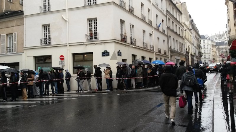 French Muslims line up at security checkpoints outside the Grand Mosque in Paris Friday Nov. 20, 2015. RNS photo by Elizabeth Bryant