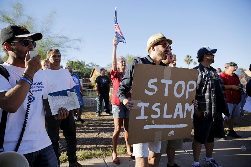 "Demonstrators shout during a ""Freedom of Speech Rally Round II"" outside the Islamic Community Center in Phoenix, Arizona on May 29, 2015. Photo courtesy of REUTERS/Nancy Wiechec *Editors: This photo may only be republished with RNS-PALLY-COLUMN, originally transmitted on Nov. 3, 2015."