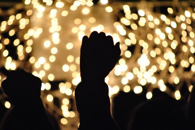 Hands in worship - Photo by Ashley Campbell via Flickr (http://bit.ly/1NPHksd)