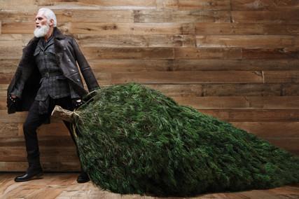 "Model Paul Mason is ""Fashion Santa"""
