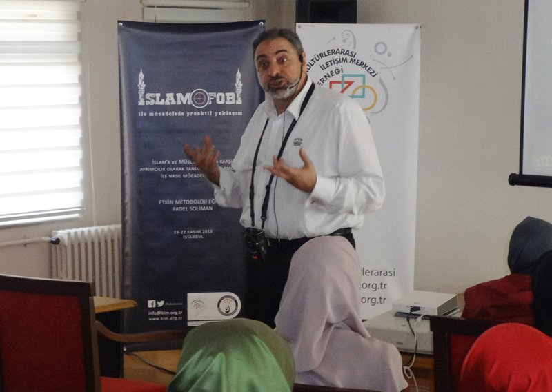 Fadil Solimon conducts a workshop with students in Istanbul. Photo courtesy of Center for Cross-Cultural Communication