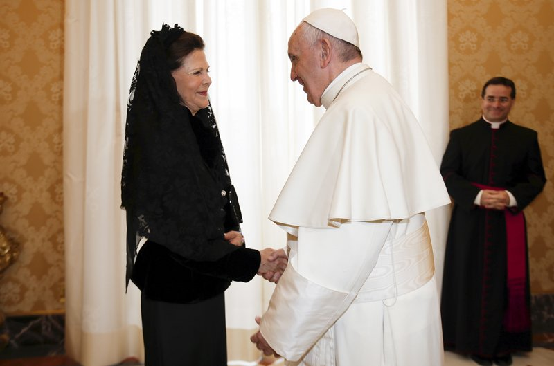 Pope Francis shakes hands with Sweden's Queen Silvia during a meeting at the Vatican on April 27, 2015. Photo coutesy of REUTERS/Max Rossi *Editors: This photo may only be republished with RNS-POPE-SWEDEN, originally transmitted on Jan. 25, 2016.