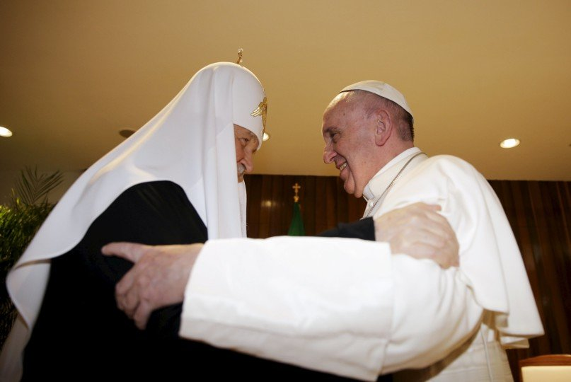 Russian Orthodox Patriarch Kirill (L) and Pope Francis embrace in Havana, February 12, 2016. REUTERS/Max Rossi