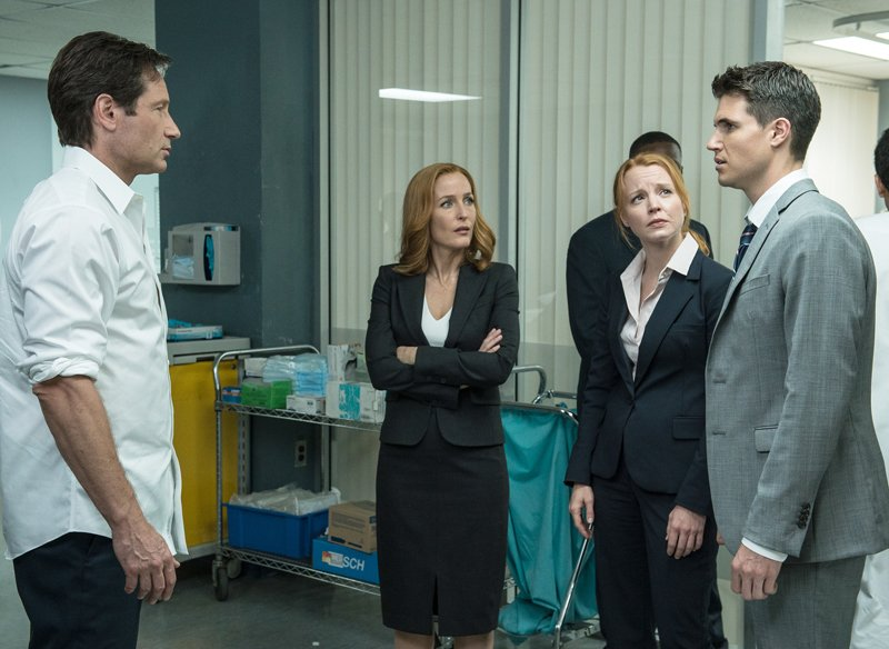 """Left to right, David Duchovny, Gillian Anderson, guest star Lauren Ambrose and guest star Robbie Amell in the """"Babylon"""" episode of The X-Files, which aired Monday, Feb. 15, 2016 on FOX. Photo courtesy of Ed Araquel/FOX"""