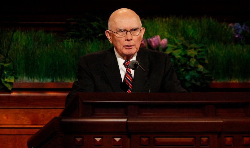 Elder Dallin H. Oaks addresses the faithful on Sunday, April 3, 2016. Courtesy of Mormon Newsroom.
