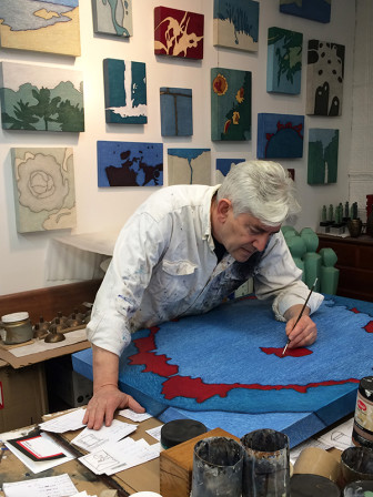 New York artist Tobi Kahn works in his studio. Photo courtesy of Tobi Kahn