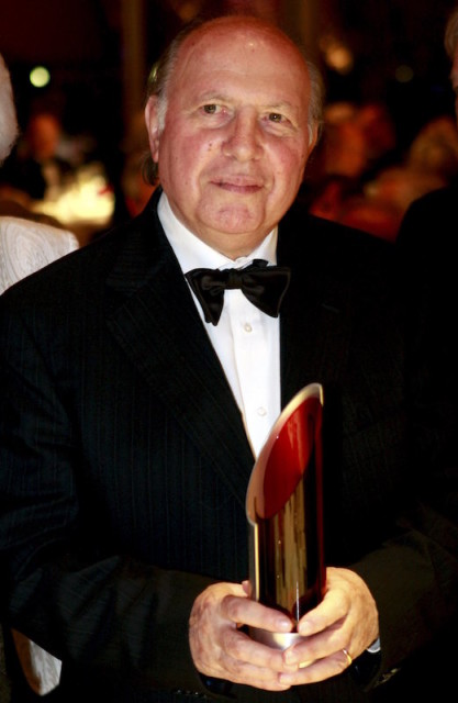 Hungarian Nobel Prize in Literature winner Imre Kertesz, who died March 31, 2016, is shown here holding his award during a ceremony at the Jewish Museum Berlin in this file picture taken November 15, 2008. REUTERS/Marcel Mettelsiefen/Pool/Files