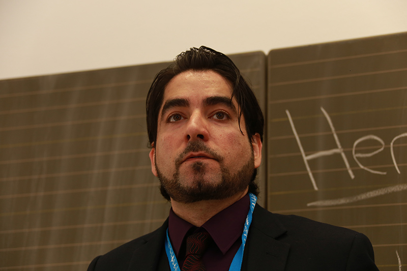 In Muenster, Muslim groups led a bitter campaign against the faculty's director Mouhanad Khorchide, who received several death threats and was given police protection.