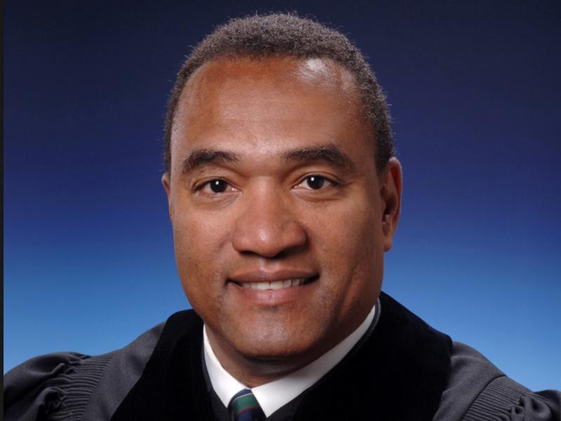 Judge sentences Catholic to Baptist church pews - Religion News Service