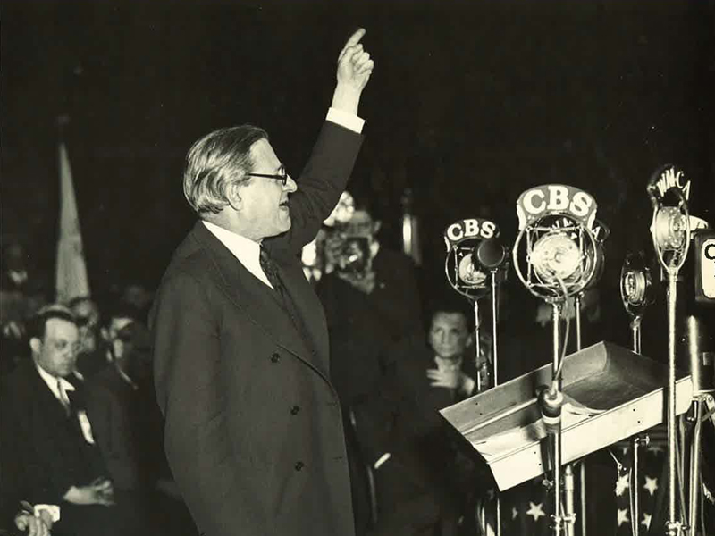 Rabbi Stephen Wise speaks to the media. (Date unknown) Photo courtesy of Stephen Wise Free Synagogue Archives