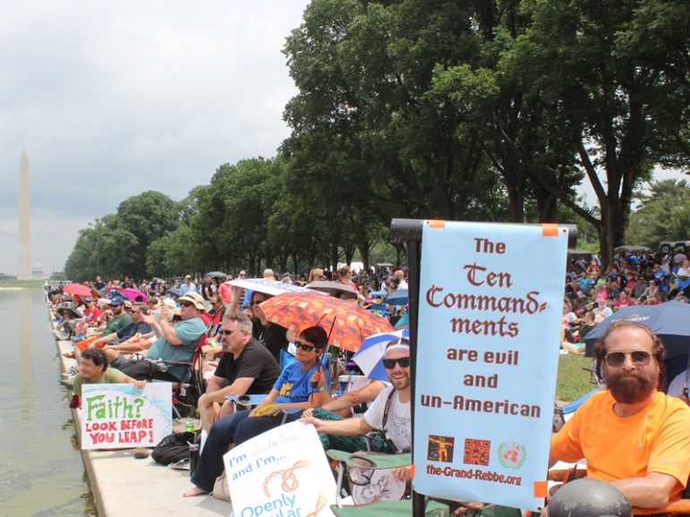 Crowds assemble by the Lincoln Memorial reflecting pool for the Reason Rally on June 4, 2016 in Washington, D.C. RNS photo by Adelle M. Banks