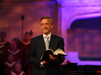 (RNS1-jan8) Dr. Robert Jeffress reads from the Bible. For use with RNS-JEFRESS-OBAMA, transmitted on January 8, 2014, Photo by David Edmonson, courtesy of First Baptist Church, Dallas, TX