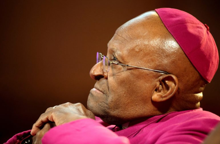 Anglican Archbishop Emeritus Desmond Tutu waits to receive the 2013 Templeton Prize at the Guildhall in central London on May 21, 2013.  Photo by Paul Hackett/Reuters