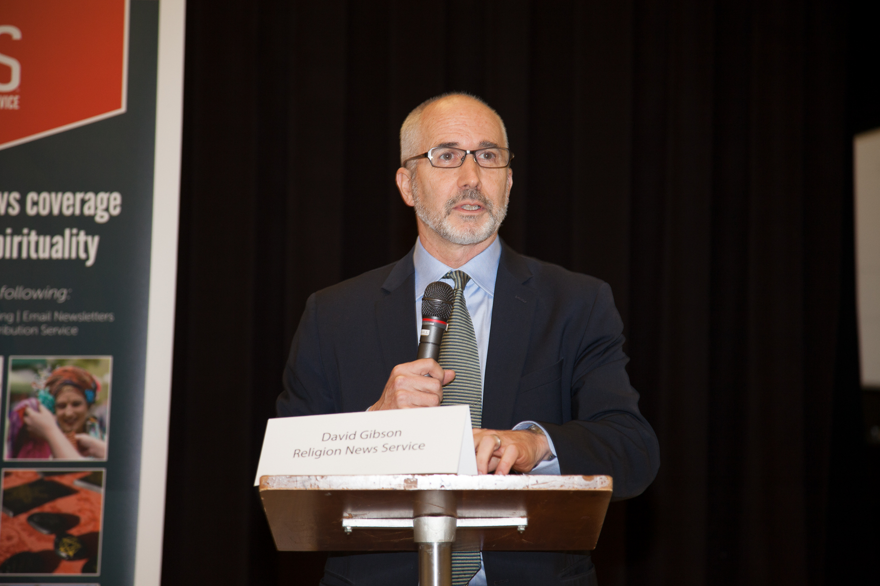 """RNS National Correspondent David Gibson, who moderated the """"Election Aftermath: Faith & the Common Good"""" panel discussion, held on Dec. 7, 2016, at St. Catherine of Siena Parish, Riverside, Conn., offers some commentary to an audience of some 200 people."""